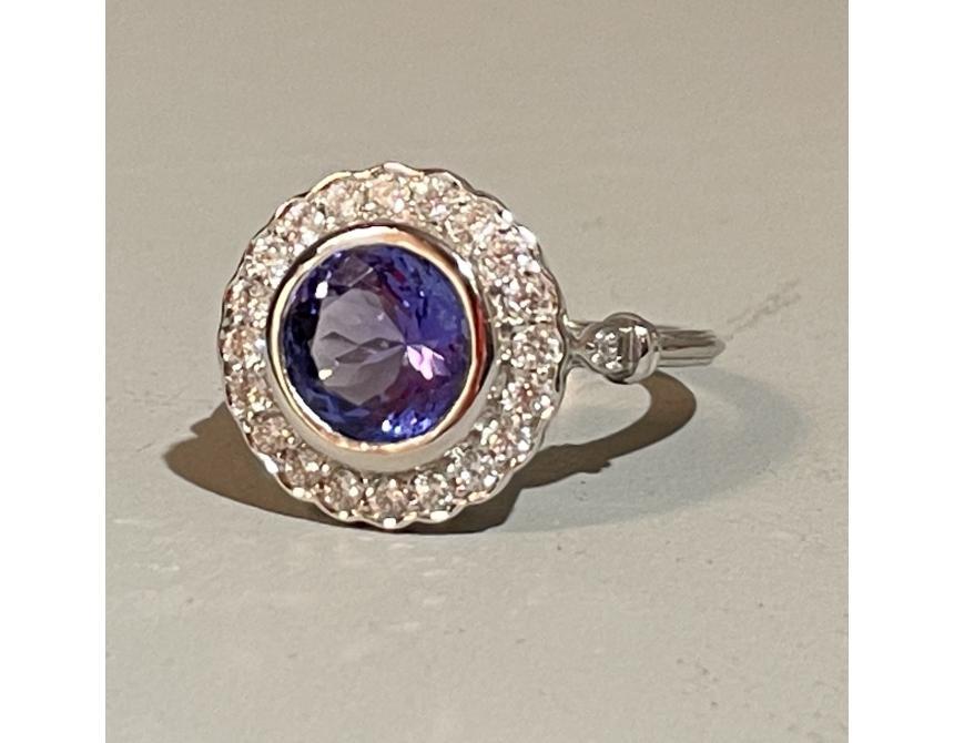 18ct White Gold Tanzanite & Diamond Ring